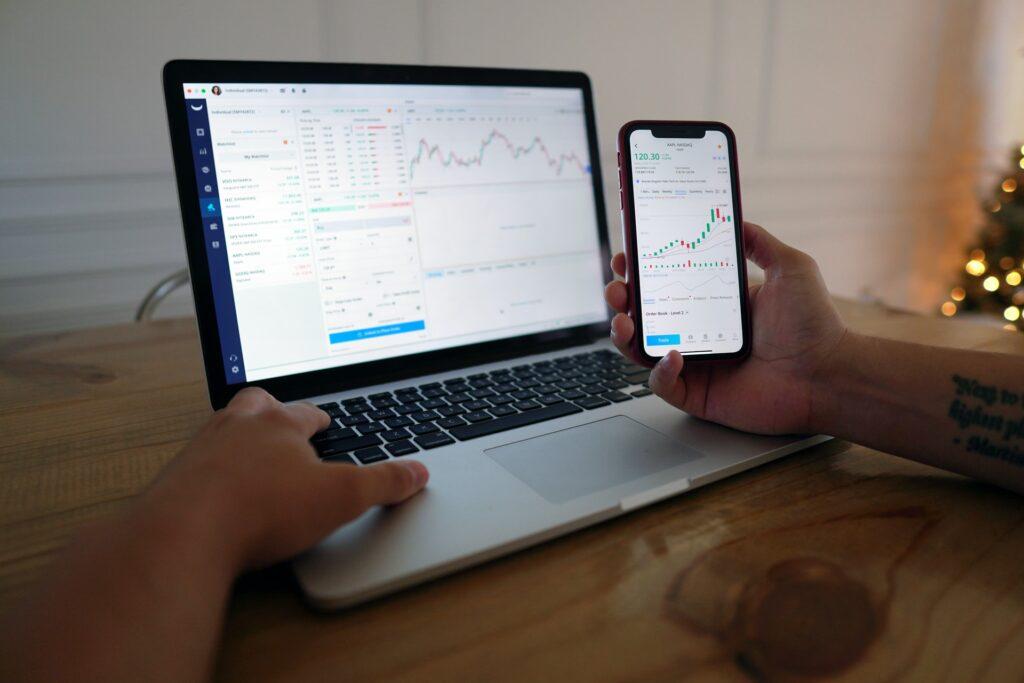 NASDAQに投資する方法